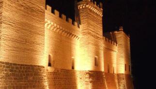 centenario-castillo-de-marcilla-iluminado